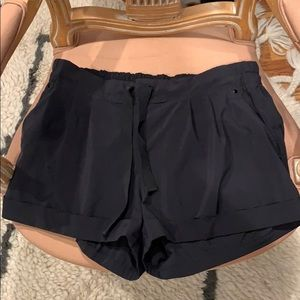 Lululemon cuffed pocket shorts